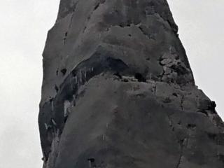zoom sul fortunato - e bravo - climber in cima alla Aguglia Goloritzè