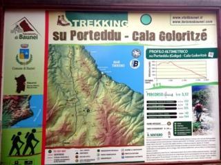 zoomando potrete vedere il percorso del sentiero da Su Porteddu per Cala Goloritzè (anche se è sempre evidente, impossibile perdersi)