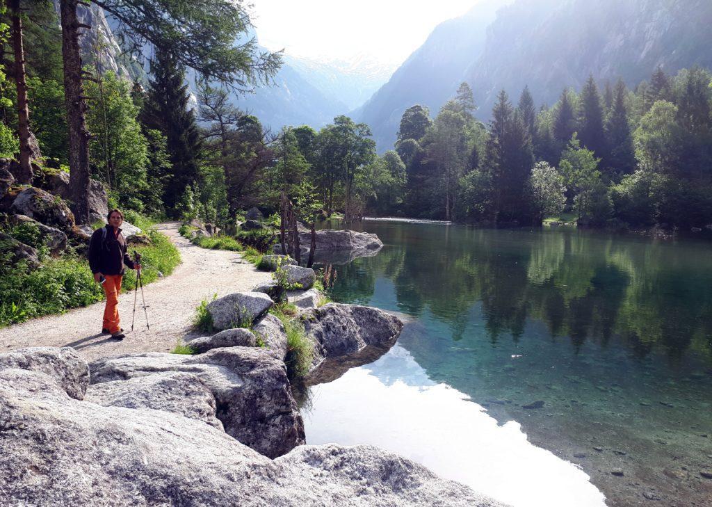 di prima mattina ci godiamo la Val di Mello in pace e tranquillità: non c'è praticamente nessuno tranne qualche climber