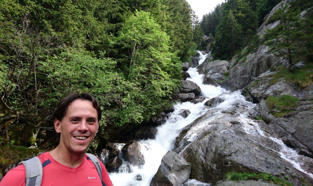 tutta la Val di Mello è solcata da innumerevoli corsi d'acqua, belli pieni vista la stagione!