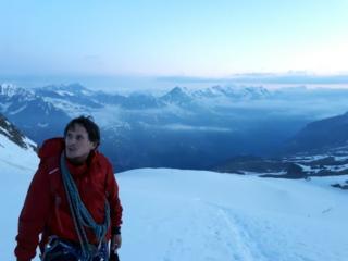 la risalita del vallone glaciale del Laveciau, lungo la Normale
