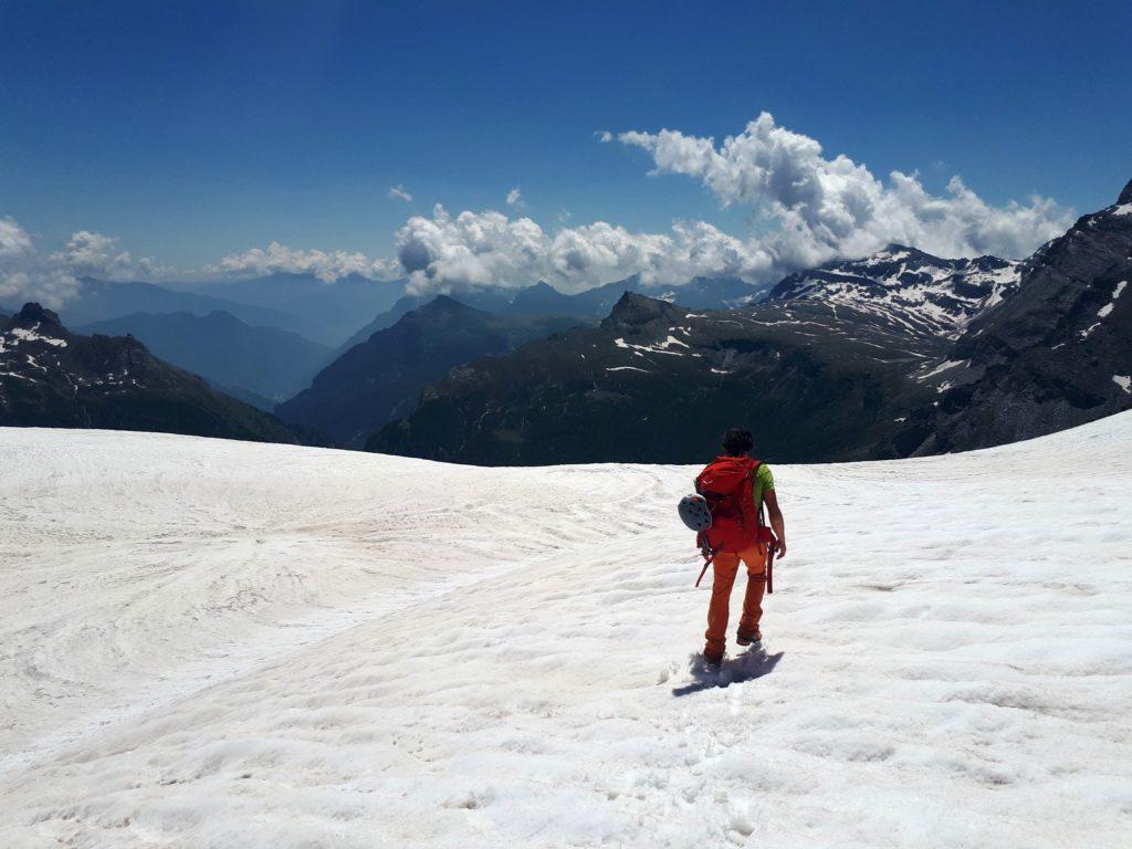 la neve è ormai pappa: torniamo in vista del bacino dell'Alpe Veglia