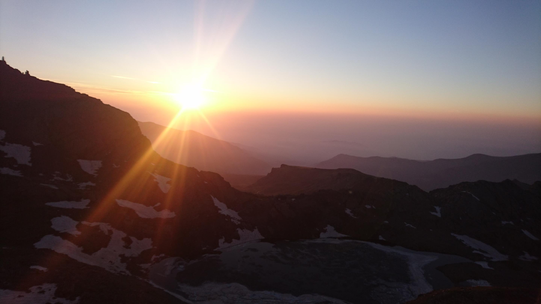 L'alba vista dall'inizio della cresta est del Monviso