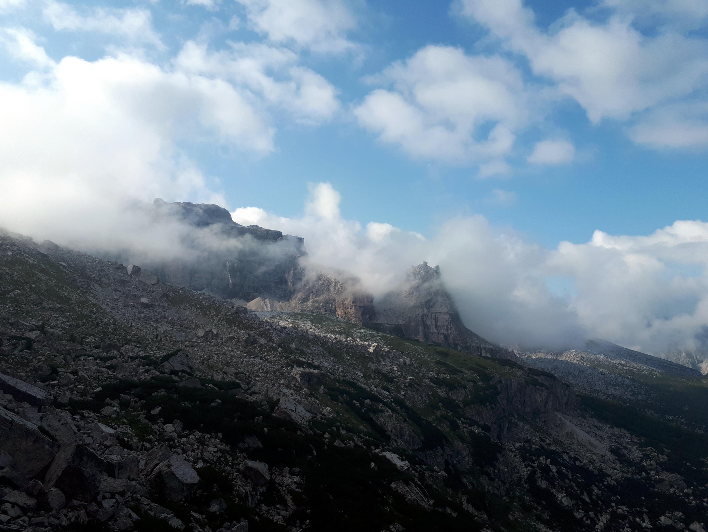 Vista in direzione dell'altopiano che conduce al rifugio Tuckett
