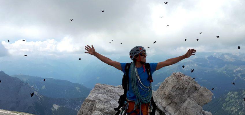 Spigolo Gasperi al Castelletto Inferiore: scalata con vista sulle Dolomiti di Brenta