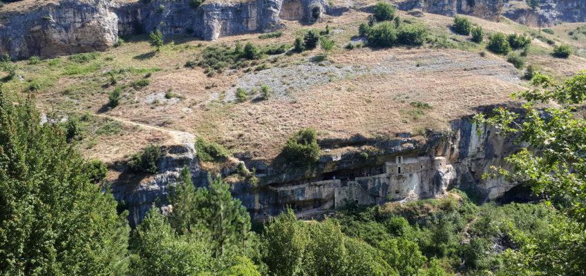 passeggiata all'Eremo di San Bartolomeo, un gioiello lungo il Sentiero dello Spirito