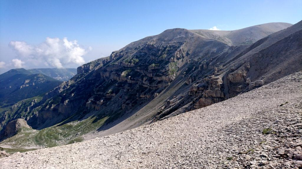 formazioni rocciose lungo le pendici della Majella