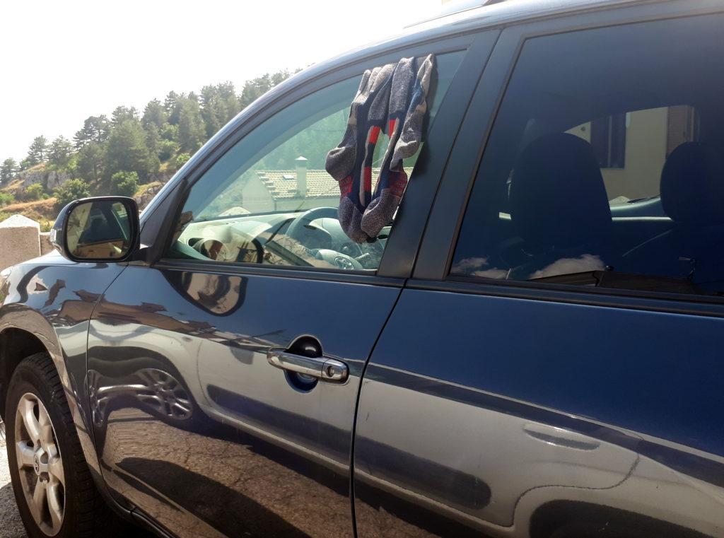 sistema di asciugatura rapida del calzino, che alla bisogna diventa anche un pratico antifurto per l'auto