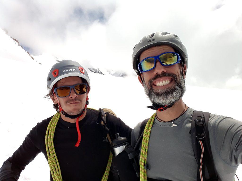 Tornati sul piattone del ghiacciaio, selfie compiaciuto per la bella gita