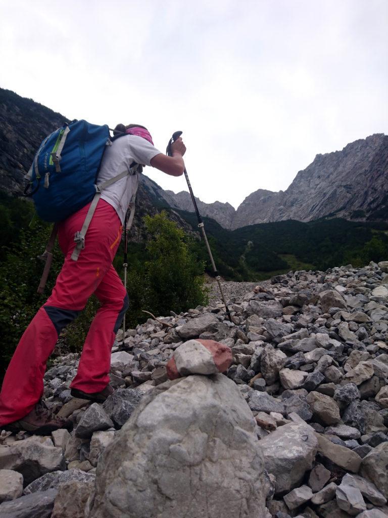 roccia segnavia forse artificiale, forse naturale