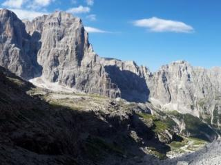 Panoramica verso valle dalla salita che porta verso il rifugio Alimonta