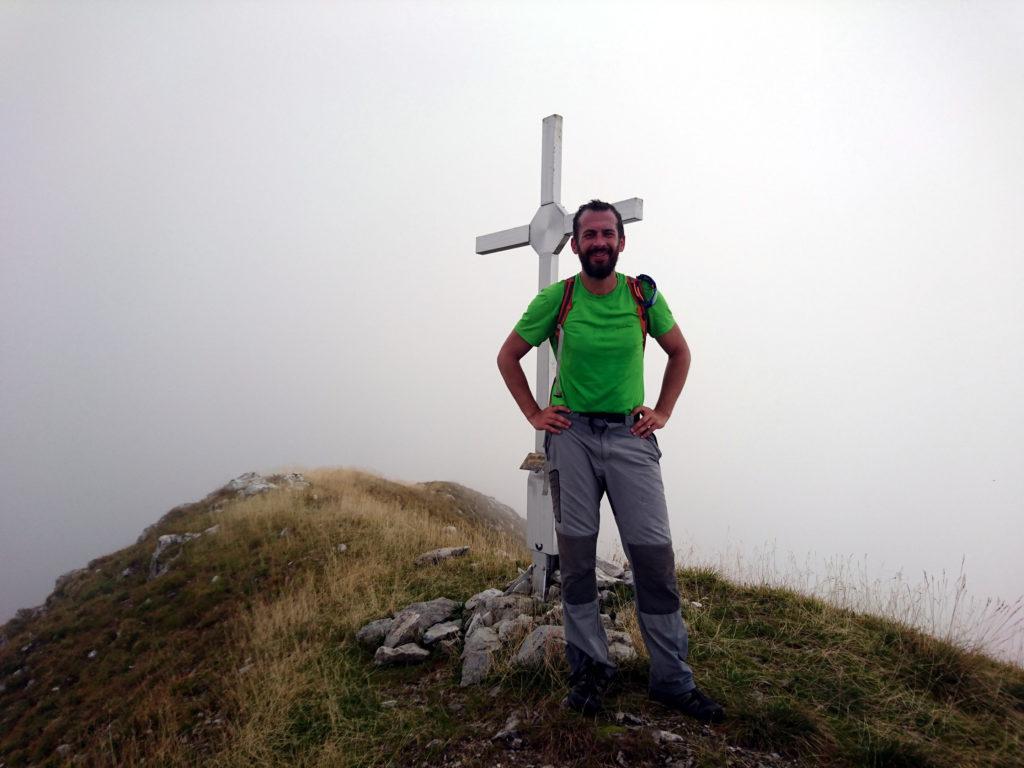 Il Niggah alla piccola croce di vetta del Monte Secco