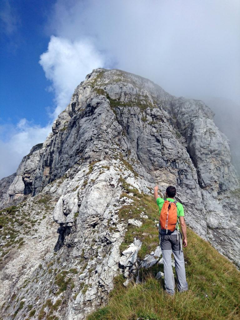 questa è la parte più verticale ed esposta che per roccette di II grado porta alla cima del Pegherolo