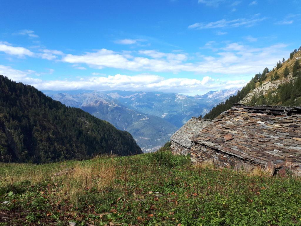 ci concediamo 5 minuti di pausa all'Alpe Menta con bella vista
