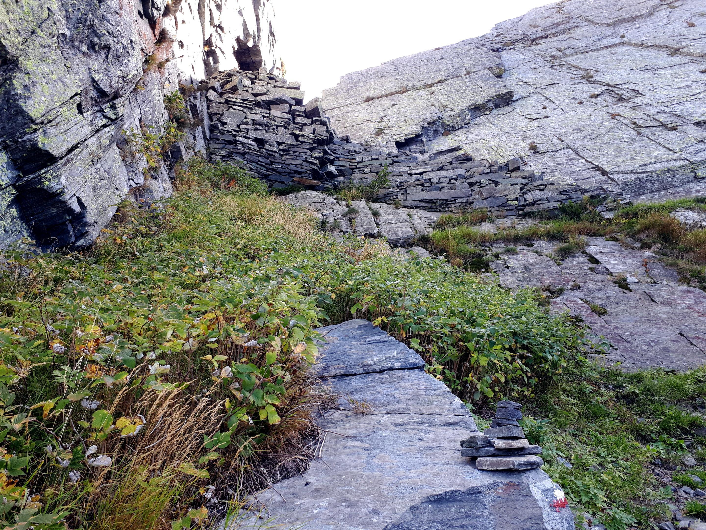 per vincere il passo del Ragozzale si sfrutta questa antica scala di pietra