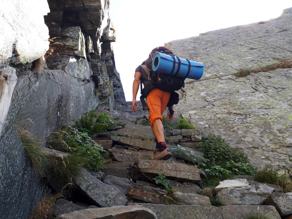 Gabri pronto a sbucare in val Grande tramite il passo del Ragozzale