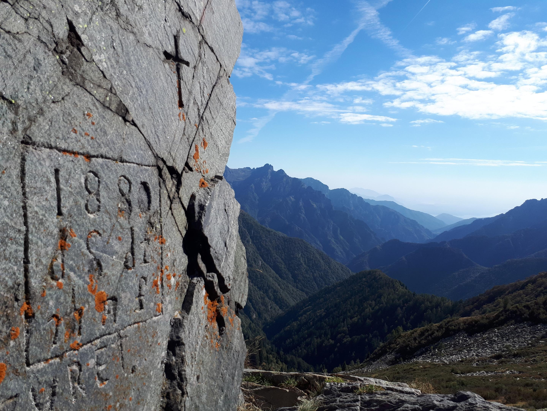 incisione al passo del Ragozzale e primo sguardo verso la Val Grande