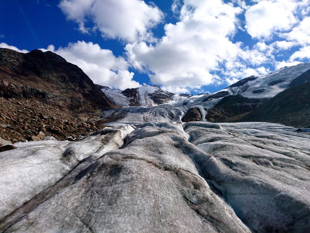 la lingua centrale del ghiacciaio