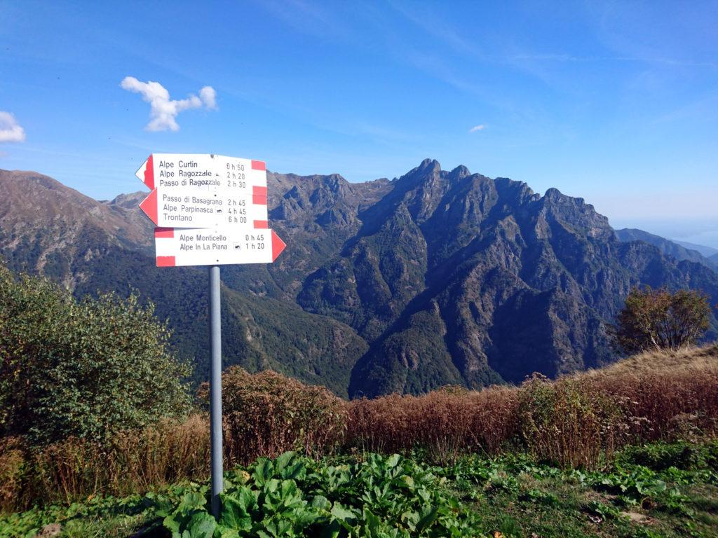 da qui è possibile scendere fino a In La Piana oppure salire verso i passi di Basagrana e Ragozzale