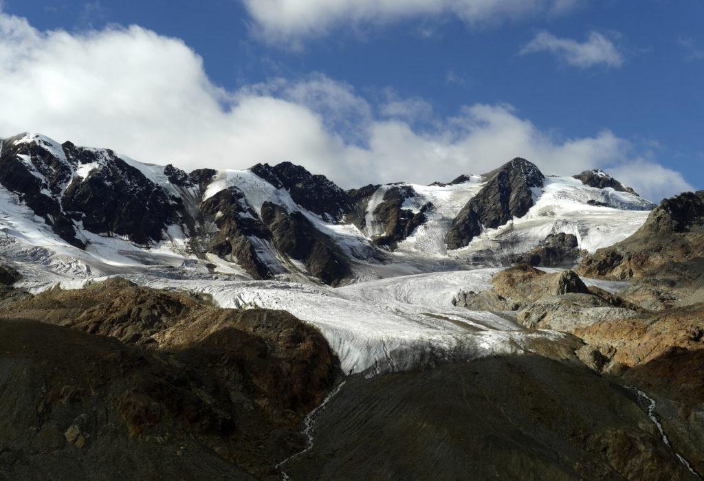 Altra bella panoramica del ghiacciaio di fronte