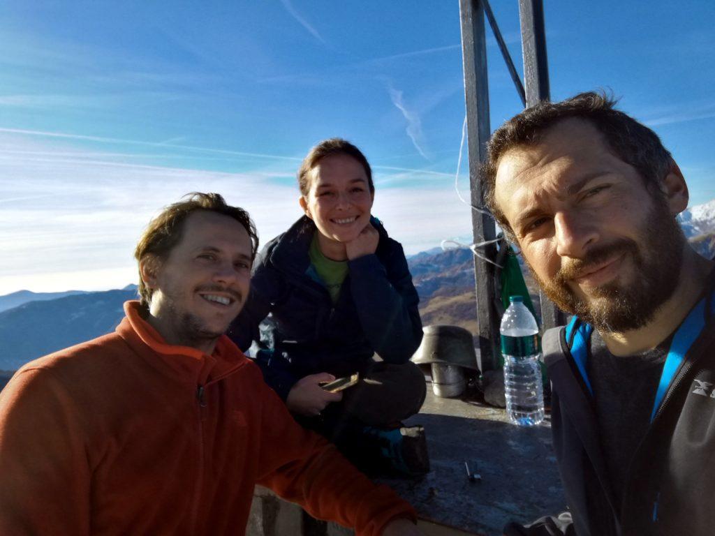 selfie di vetta con tutti e tre