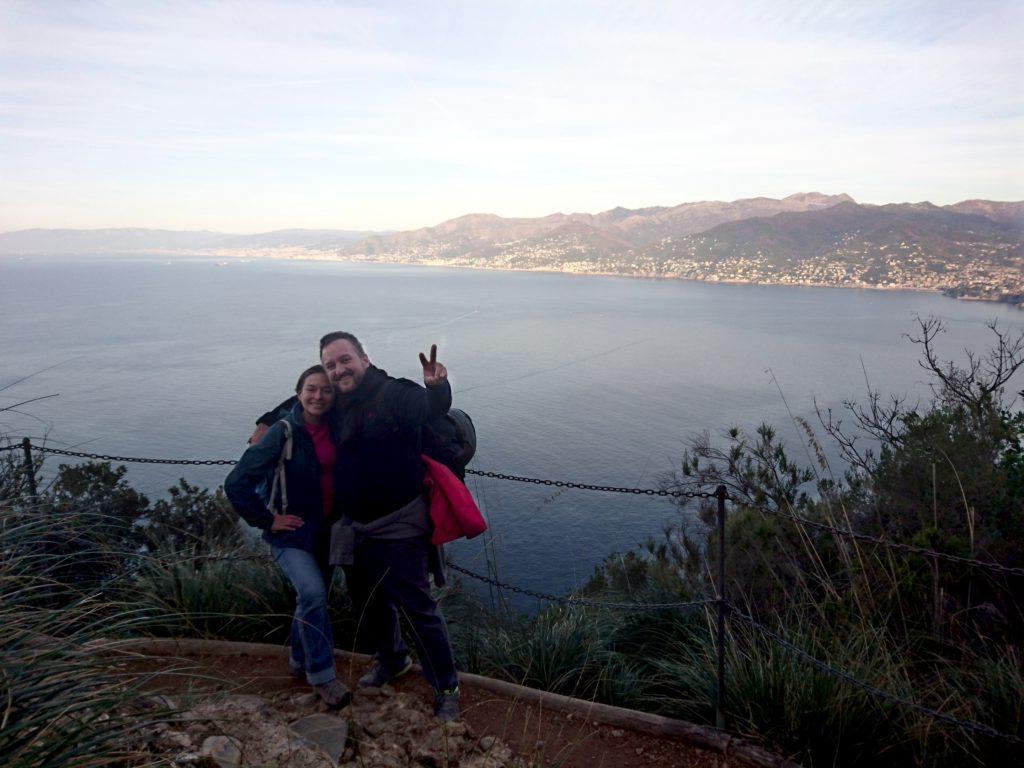 il primo punto panoramico che si incontra: la vista su Genova e tutta la riviera di Ponente è eccezionale