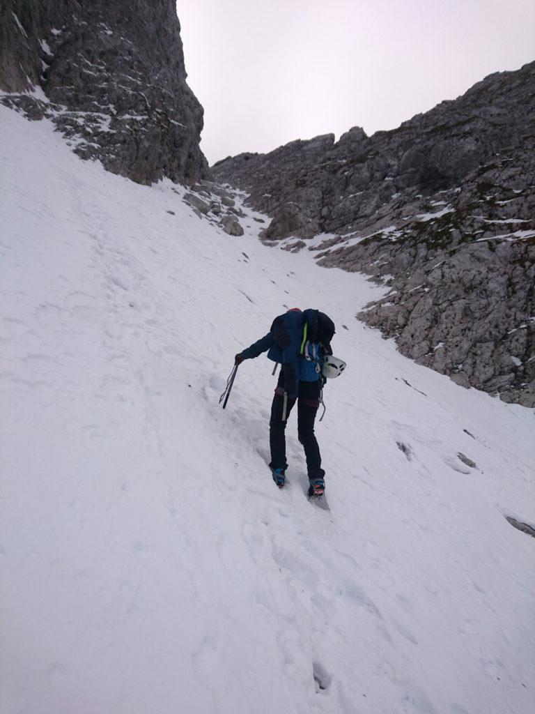 Tra poco dovremo entrare nella parte più stretta facendo lo slalom tra le rocce