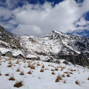 Val Verzasca: anello di Odro – Alpe Bardughè e due passi sul fiume