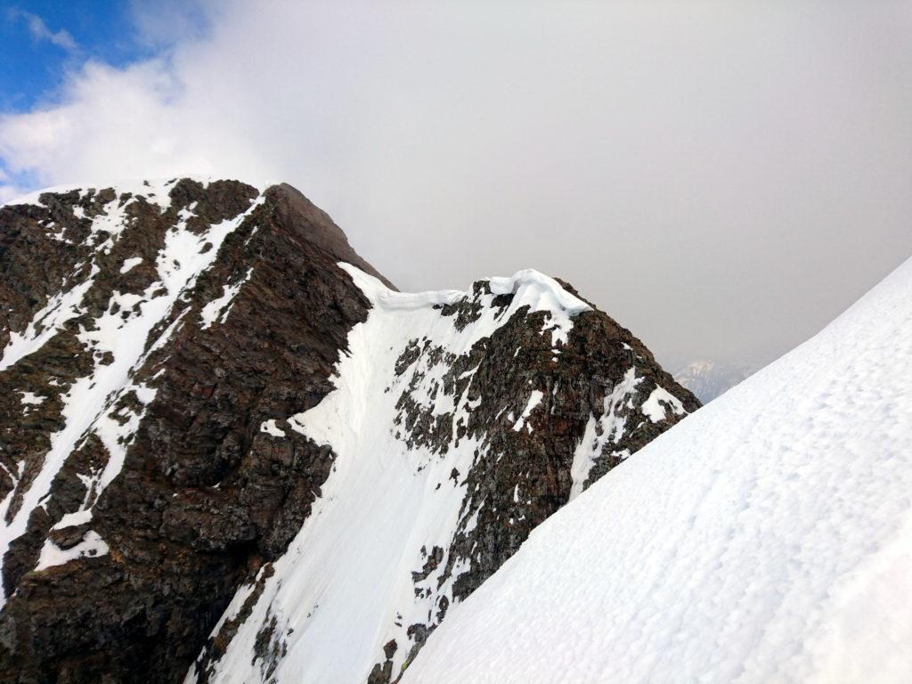 Questa che si vede dritta di fronte è invece la cima vera e propria del Grabiasca. La lasciamo lì che tanto non c'è manco la croce :P
