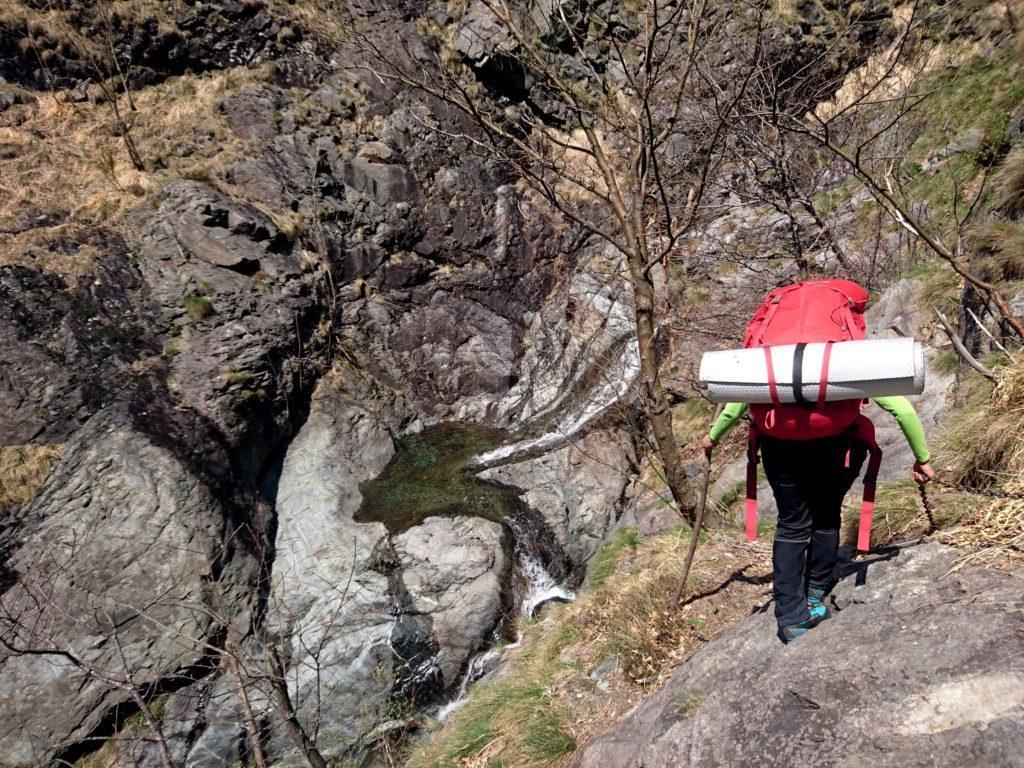 colare pozza scavata sulle rocce da un affluente del Rio Valgrande