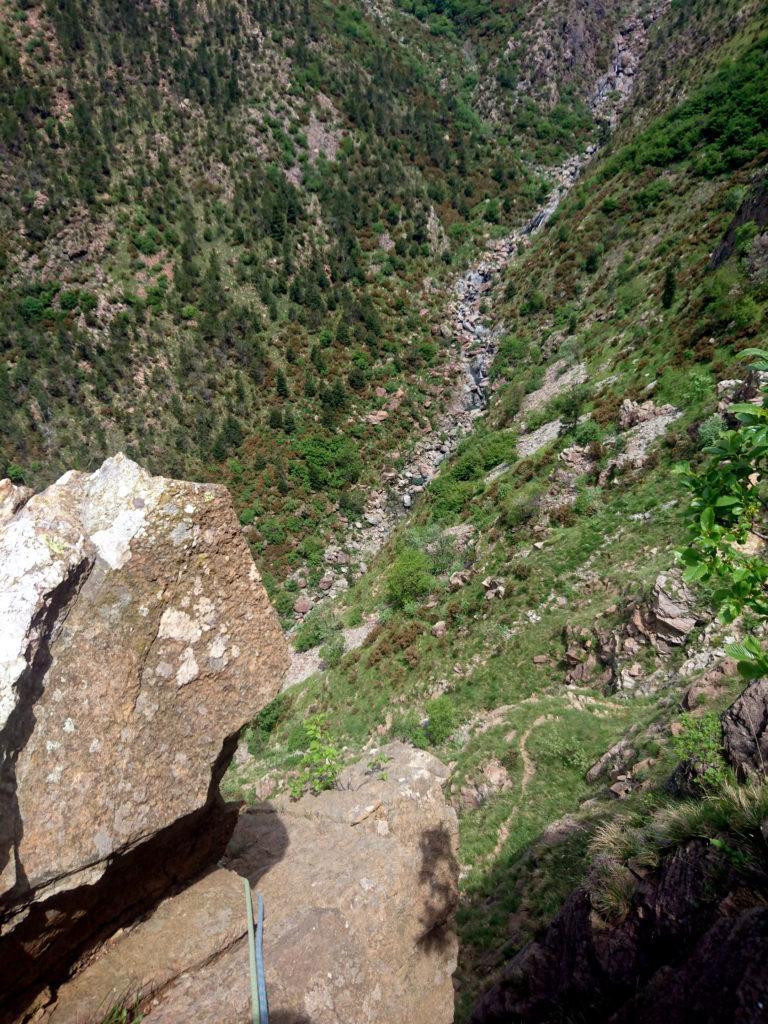 dalla prima o seconda sosta: panorama sull'alta valle della Baiarda
