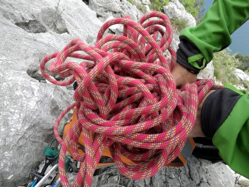 Paolino riordina la corda......a modo suo........ ;)