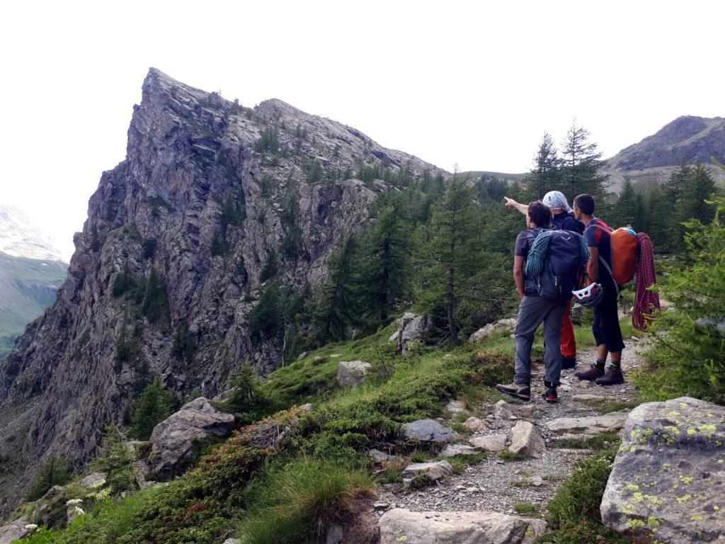 osservando il profilo del Bec Raty, sognando future arrampicate