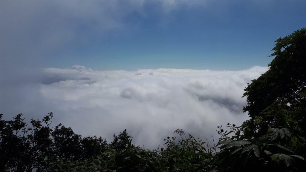 il letto di nubi fortunatamente sotto di noi