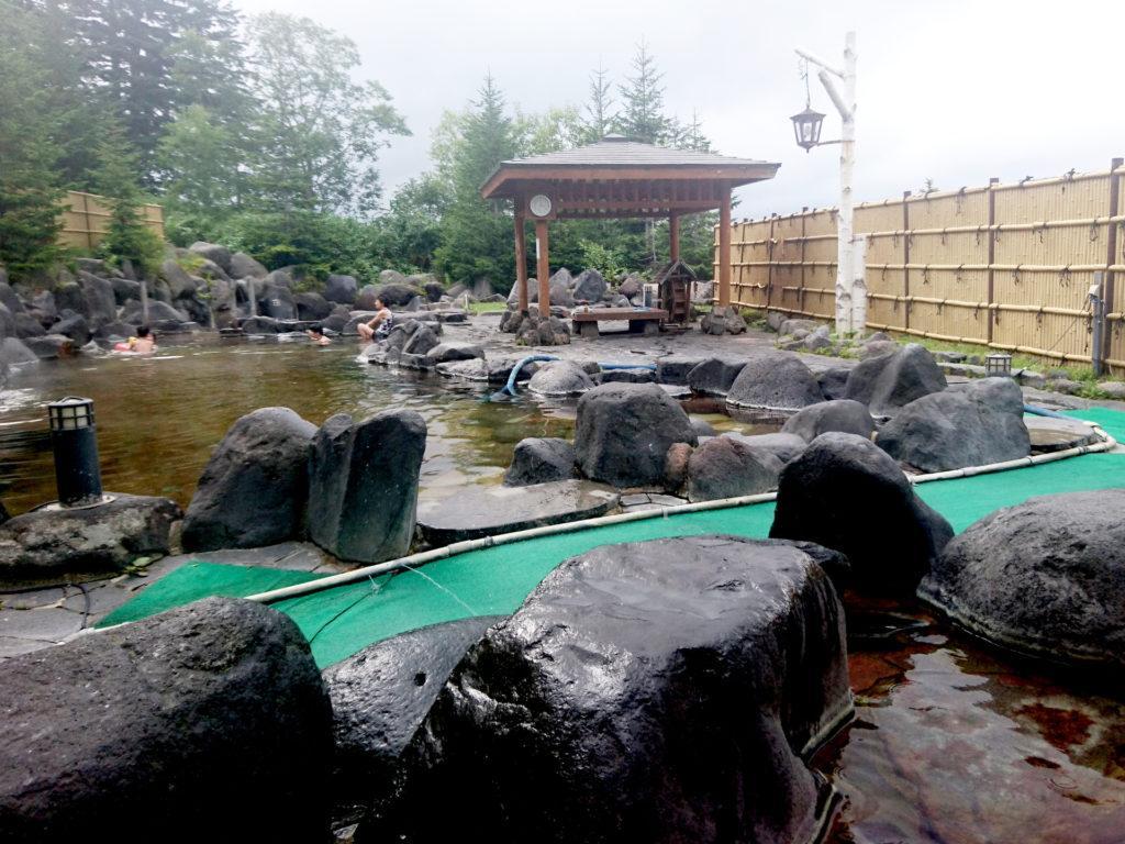 Adesso il bagno lo facciamo sul serio, ma nelle calde acque termali di un onsen!