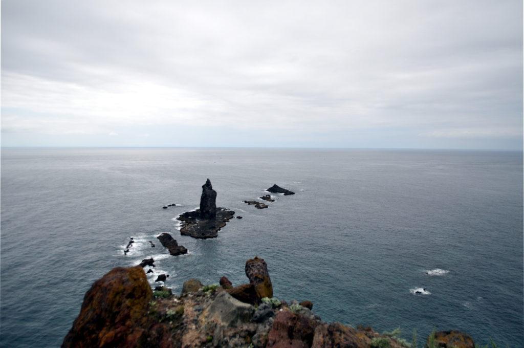 la leggendaria roccia-menir di Cape Kamui