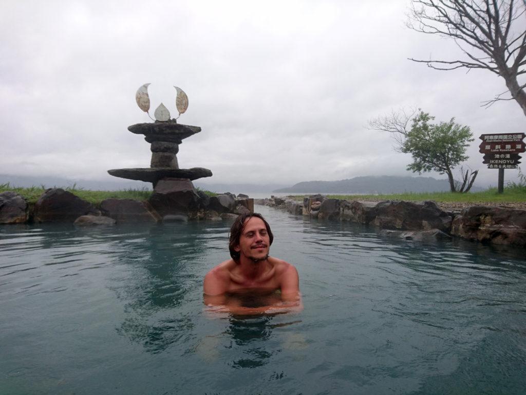 il meraviglioso rotenburo di Ikeno-yu, sul Lago Kussharo: quando si dice la goduria!