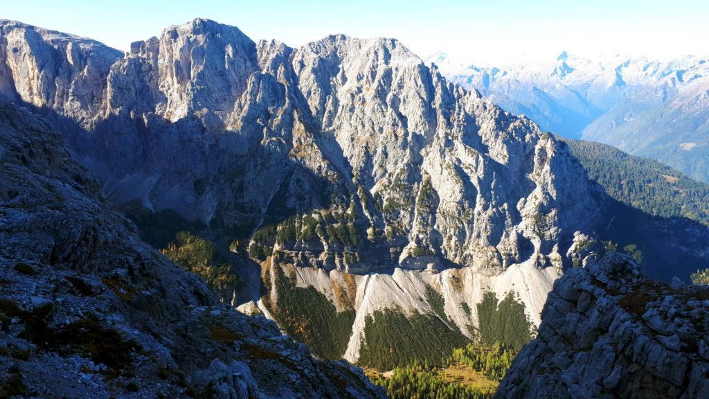 abbiamo doppiato lo spigolo e la vista si apre sulla Val Brenta