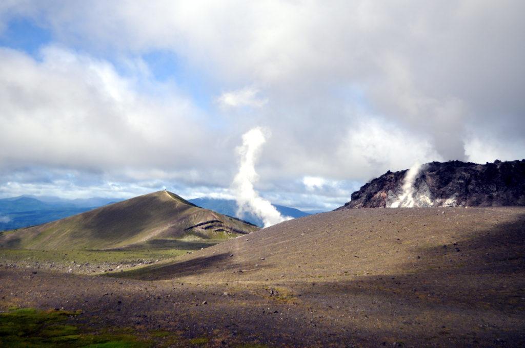la caldera del Mt Tarumaesan: sembra di stare sulla luna