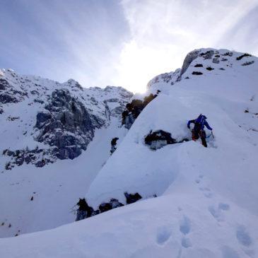 Cresta Nord all'anticima ovest della Cima Menna: tentativo e ritirata rocambolesca
