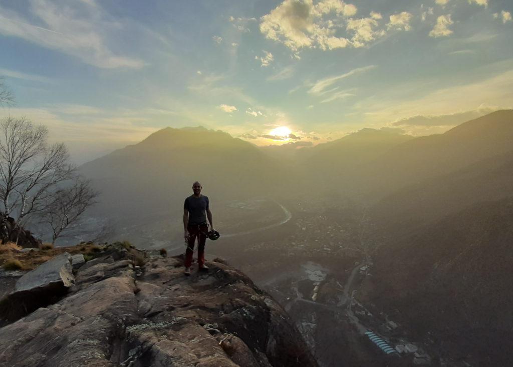 Vetta!! La luce del tardo pomeriggio è notevolissima ed è il giusto premio per questa bella scalata