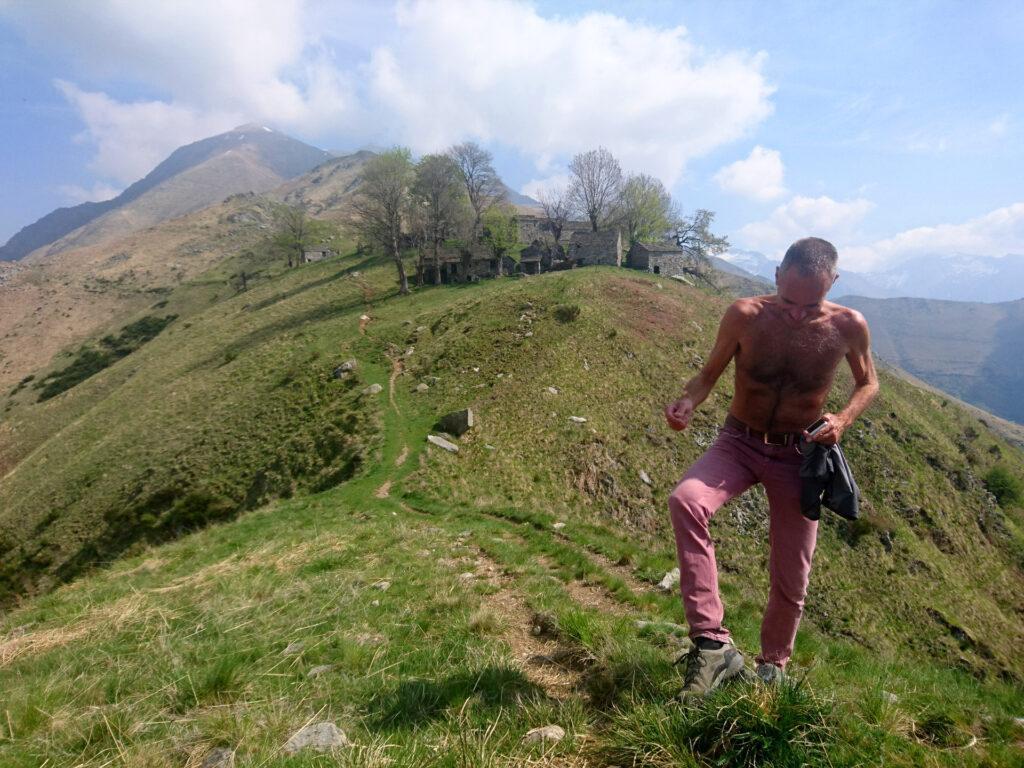 Le bestiole hanno sparso ricordini lungo tutto il percorso e Giorgio non ha prestato abbastanza attenzione... ;)