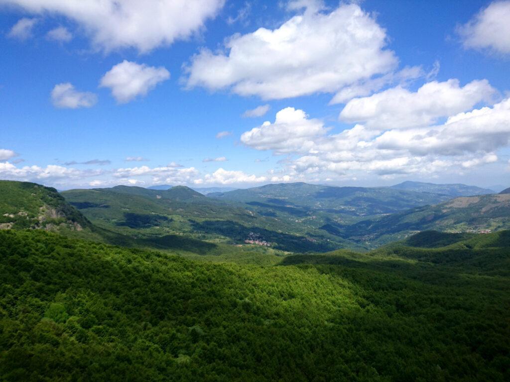 Vista verso valle dalla cima del Dente delle Ali