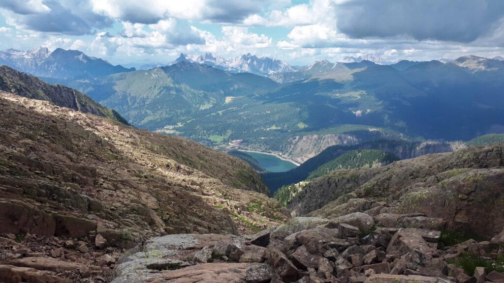 il Lago di Paneveggio a valle, parecchio a valle