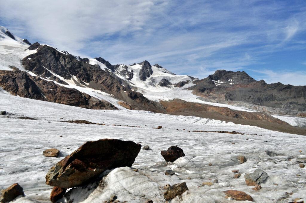 la parte superiore del ghiacciaio, sopra il primo salto