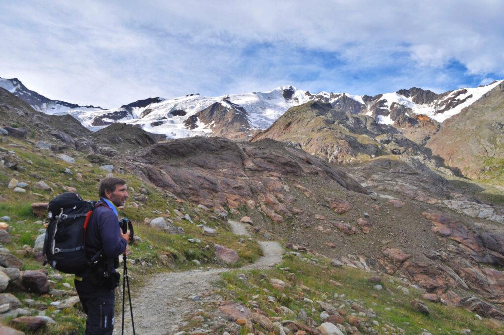 Giovanni, lungo il sentiero che conduce al ghiacciaio