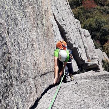 Via Normale e Via Gervasutti alla Rocca Sbarua – un paradiso per l'arrampicata
