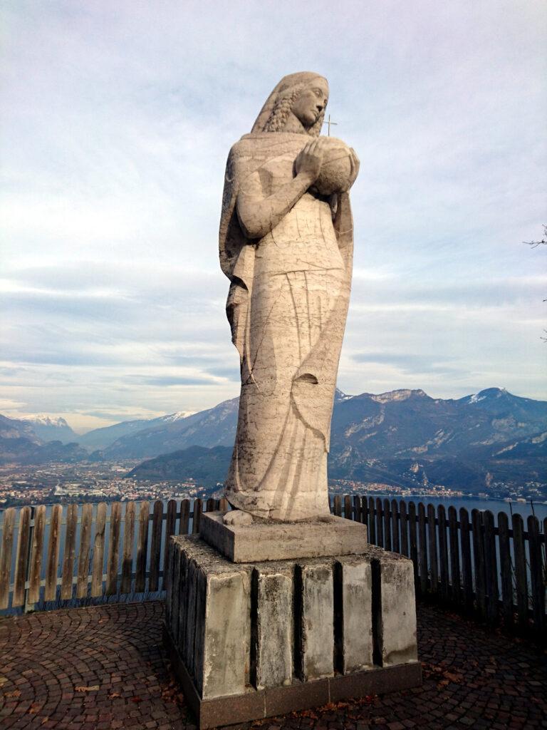 La Regina Mundi di Pregasina che rappresenta il punto di partenza e di arrivo del nostro giro