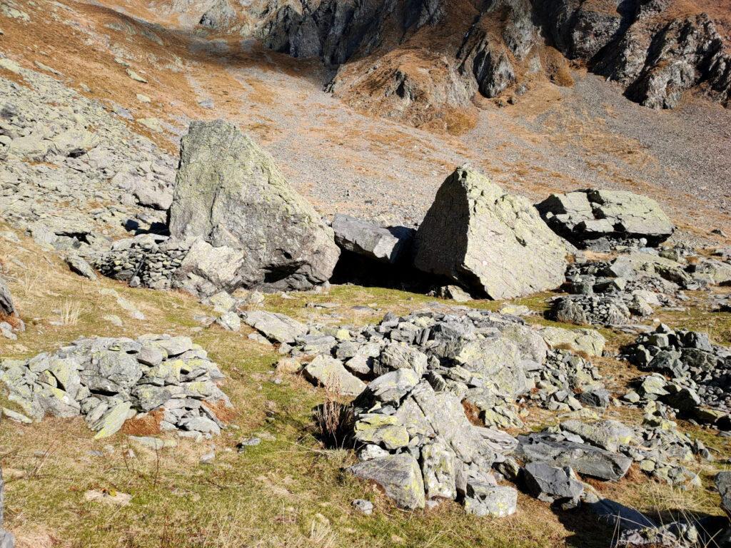Grandi massi utilizzati come rifugio per i pastori