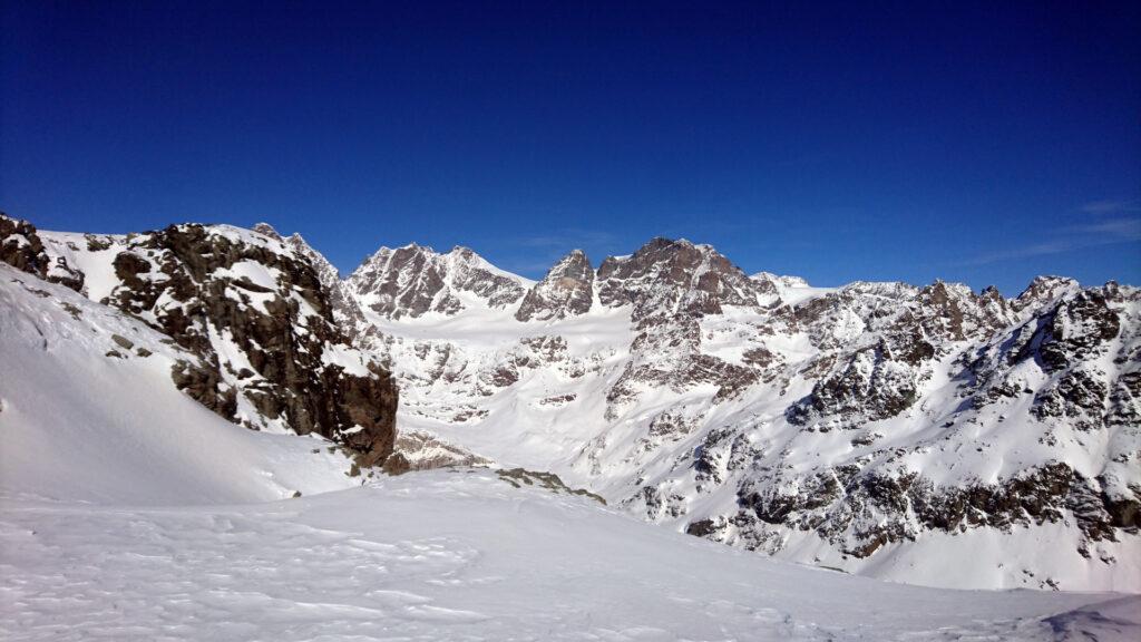 La splendida vista verso il gruppo del Bernina dalla nostra anticima
